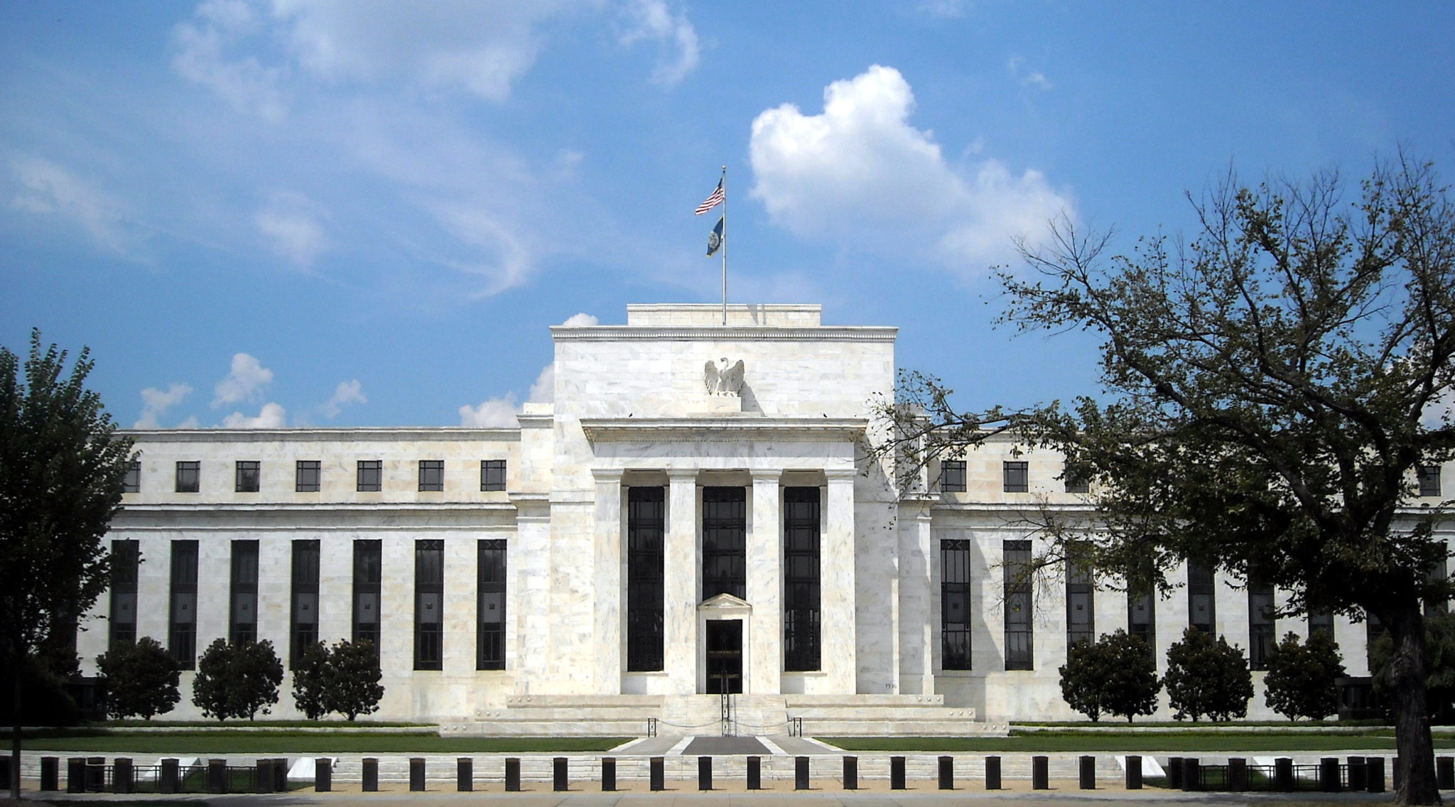 Federal Reserve Bank  >> How The Federal Reserve Causes Inflation Silver Monthly